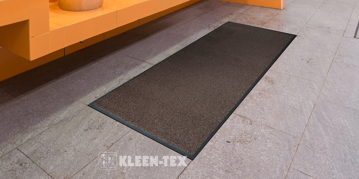 Entrance Deluxe mat in the lavatory