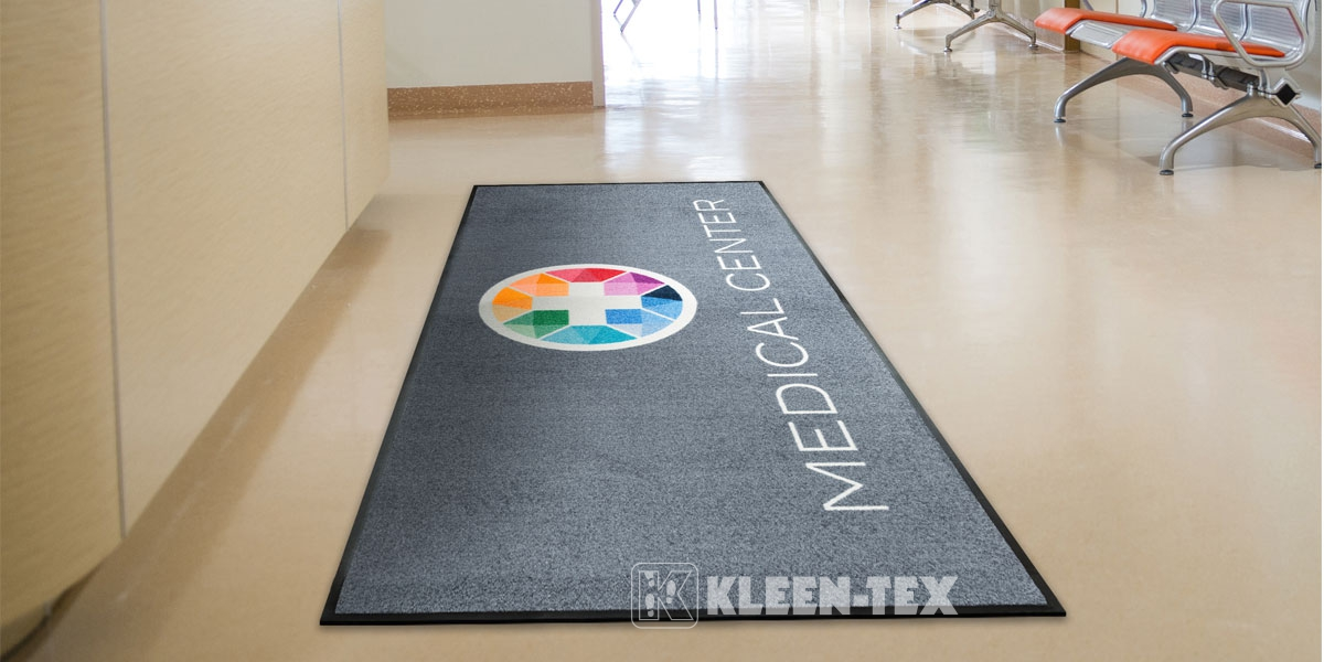 Logo Deluxe mat in medical centre
